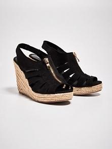 Buty sinsay 40 poszukiwane... ma może ktoś odsprzedać?