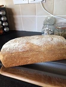 Chleb na zakwasie, bez konserwantów.
