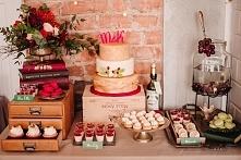 Słodki stół w kolorze marsa...