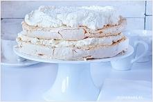 TORT BEZOWY ALA RAFFAELLO SKŁADNIKI NA BLATY BEZOWE: 6 białek, temp. pokojowa...