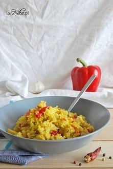 Proste, szybkie danie obiadowe. Pilaw z kurczakiem, marchewką i papryką. Polecam! Przepis po kliknięciu w zdjęcie