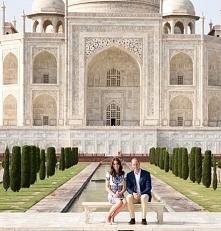 Prince William and Princess Kate Pose at the Taj Mahal