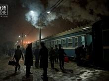 """W kulturze Chin """"zielony pociąg"""" jest synonimem najpopularniejszego niegdyś środka transportu – kolei. Wyobraźcie sobie pomalowane zieloną farbą wagony powoli wiozące tłumy wepc..."""