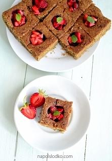 Fit znikające ciasto z truskawkami. Link do przepisu z komentarzu :-)
