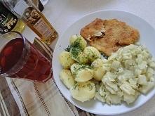 Tym razem obiad się udał :) kapusta zasmażana pyszna, pierś smażona na oleju sojowym i orzechowym :)