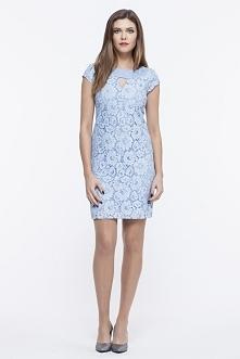 Koronkowa niebieska sukienka na wesele