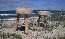 stołki i morze