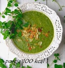 SZPINAKOWOBROKUŁOWELOVE <3 Niskokaloryczna zupa krem z brokułów i szpinaku z podanych składników powstaną 4 porcje zupy po 100 kcal każda Składniki: 1 brokuł 500 g 150 g świe...
