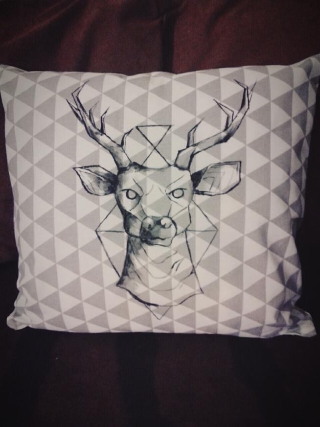 jelonek- RĘCZNIE MALOWANA poduszka dekoracyjna; HANDMADE by PassionArts