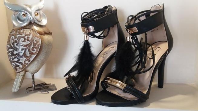 Sznurowane sandałki, rozmiar 36 i 38, cena 99zł  kontakt mewa791@wp.pl