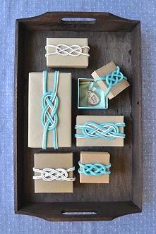 marynistyczne pakowanie prezentów