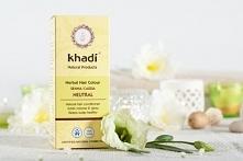 Henna Khadi Cassia - Bezbarwna  może być stosowania jako odżywka, w celu wzmocnienia i pogrubienia włosów lub jako farba dla blondynek, która pogłębi naturalny kolor włosów i do...