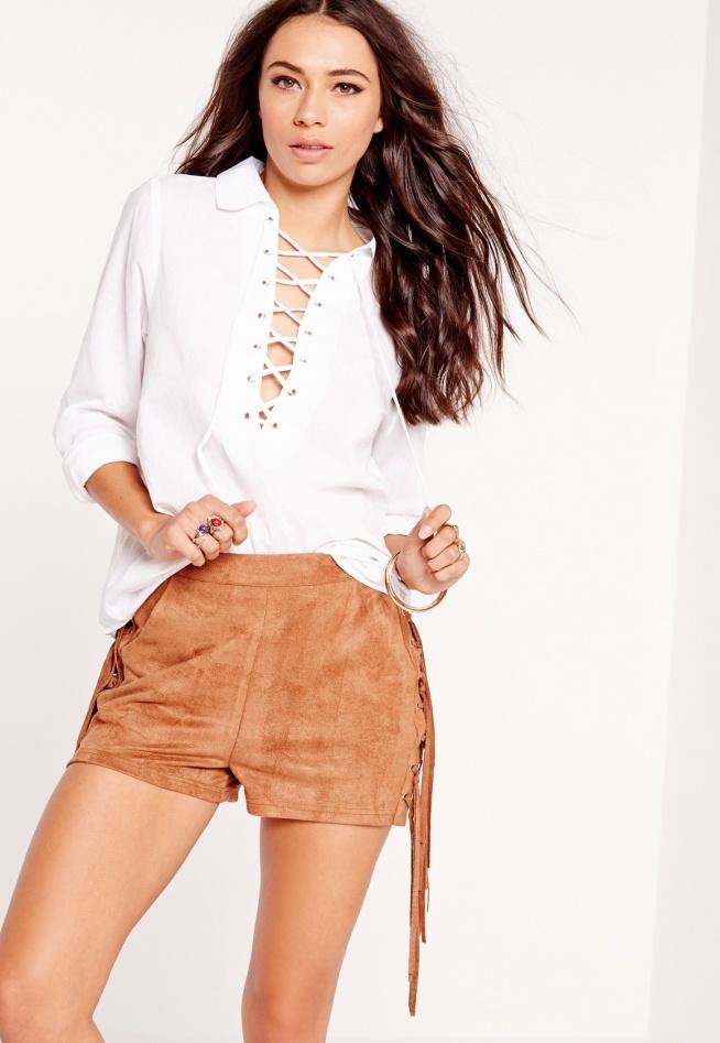 Piękna biała bluzka ze sznurowaniami na dekolcie <3