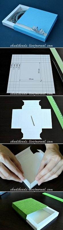 opakowanie na prezent z papieru