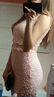 Sprzedam piękną sukienkę koronkowa pudrowy róż, nowa,rozmiar M, kontakt priv