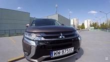 Mitsubishi Outlander PHEV to hybryda typu plug-in. Na naładowanych do pełna a...