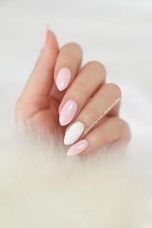 Biały manicure galeria zdjęć >