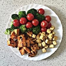 Tofu, bataty, brokuł