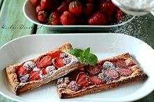 Bardzo łatwe ciastka francuskie z truskawkami
