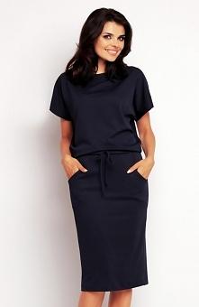 Awama A145 sukienka granatowa Gustowna sukienka, wykonana z przyjemnej w dotyku tkaniny, luźny fason zapewnia komfort i dodaje nonszalanckiego looku