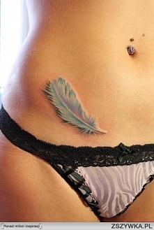 delikatny tatuaż w kolorze ...