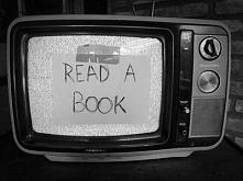 jakieś książki do polecenia na wakacje?  lubie obyczajówki i może dobre krymi...
