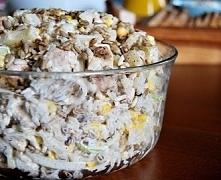 sałatka z ryżem , kurczakiem i prażonym słonecznikiem . Składniki: 200 g białego ryżu; 500 g filetu z piersi kurczaka; Puszka kukurydzy konserwowej (waga netto, po odcedzeniu 28...
