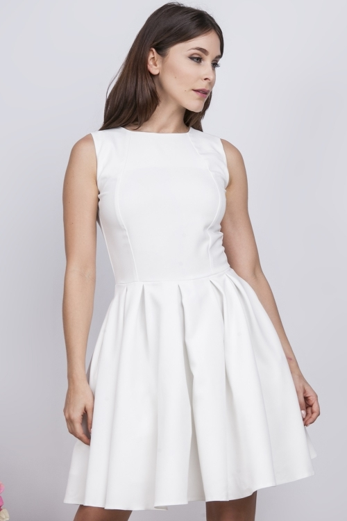 Wizytowa letnia sukienka z koronką na plecach