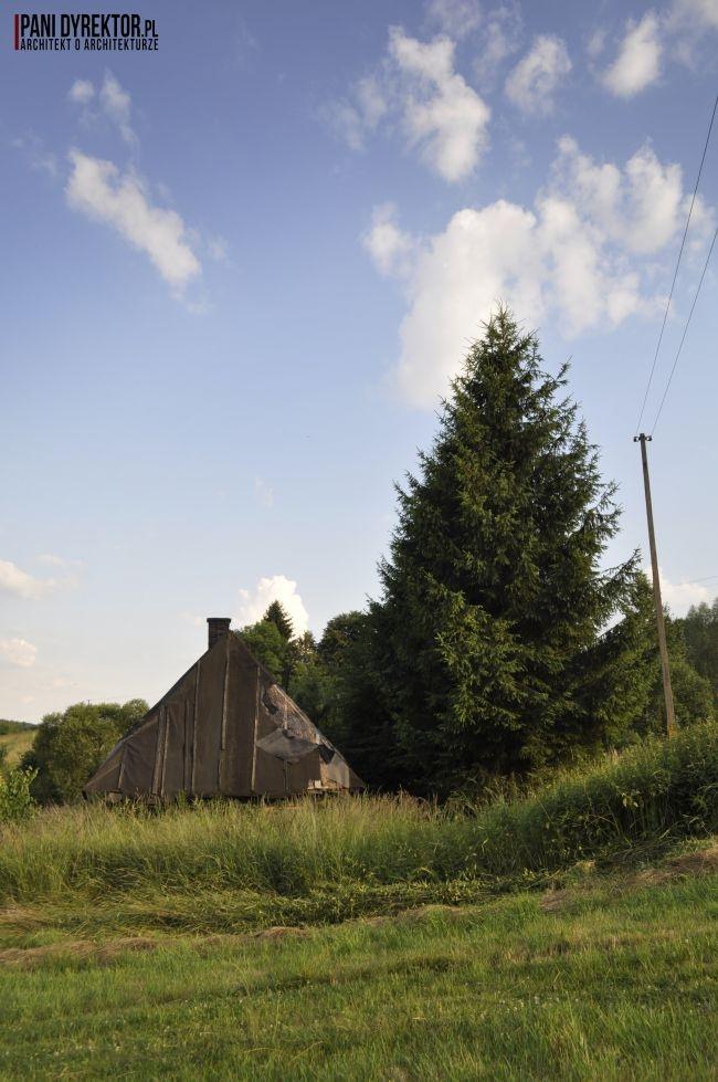 Drewniana chatka na skraju lasu - zobacz jak wygląda i zainspiruj się! Zapraszam do wpisu na blogu Pani Dyrektor po jeszcze więcej inspiracji!