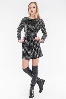 Luźna sukienka/ tunika z długimi rękawami w efektowne kropki. Sukienka może być wiązana wąskim paskiem z materiału lub szerokim paskiem z eko skóry ( pasek można zdjąć i nosić s...