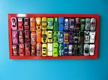 Samochody na ścianie