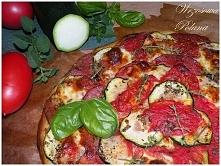 Pizza z cukinią i salami, p...