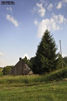 Drewniana chatka na skraju ...