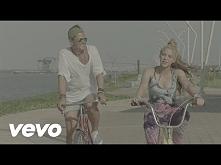 Carlos Vives, Shakira - La Bicicleta (Official Video) <3 <3 <3