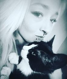 albo chcesz mieć kota albo chcesz mieć selfie... ewentualnie selfie z kotem... nigdy bez.   moja ukochana córeczka rośnie jak na drożdżach <3