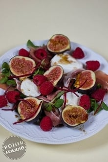 Fig, raspberry and prosciutto salad