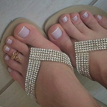 pięknie buty i piękne paznokcie