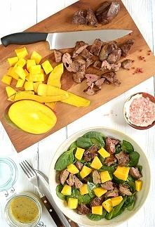 Sałatka z wątróbki i mango ...