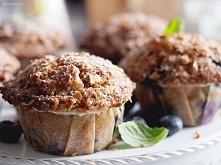Muffiny jagodowe z kruszonką orzechową / Blueberry muffins with walnut streusel