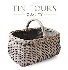 Wiklinowy szary koszyk z wyszyciem idealny na zakupy i grzybobranie.