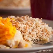 Filet z morszczuka w młodej marchewce z kaszą bulgur  Potrzebne będą:  kilka ...