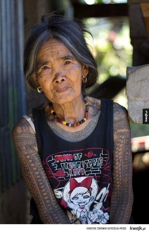 O Mówią że Tatuaże Na Starość Brzydko Wyglądają Na