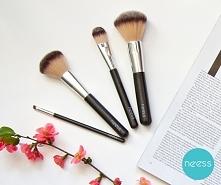 Pędzle do makijażu NEESS.