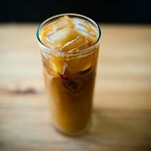 Mrożona kawa kokosowa z rum...