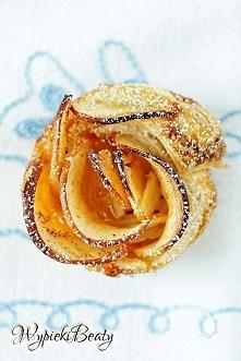 Ciastka róże z jabłkiem