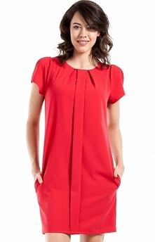 BEWEAR BW056 sukienka czerwona Elegancka sukienka, prosty i kobiecy fason, z przodu ozdobna plisa, krótki rękaw