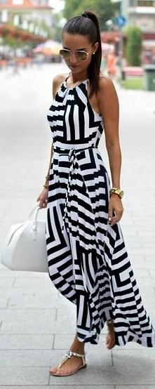 Piękna biało-czarna długa sukienka...