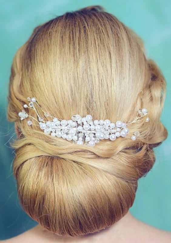 Ślubne ozdoby do włosów z perełkami