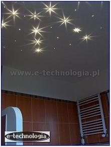 Prezentujemy projekt modnej, pięknej łazienki za pomocą oświetlenie światłowodowego Kryształowy Pył. Wnętrze pięknej łazienki z gwieździstym niebem zostało zrealizowane za pomoc...