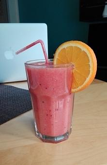 Dzisiaj owocowe smoothie &l...